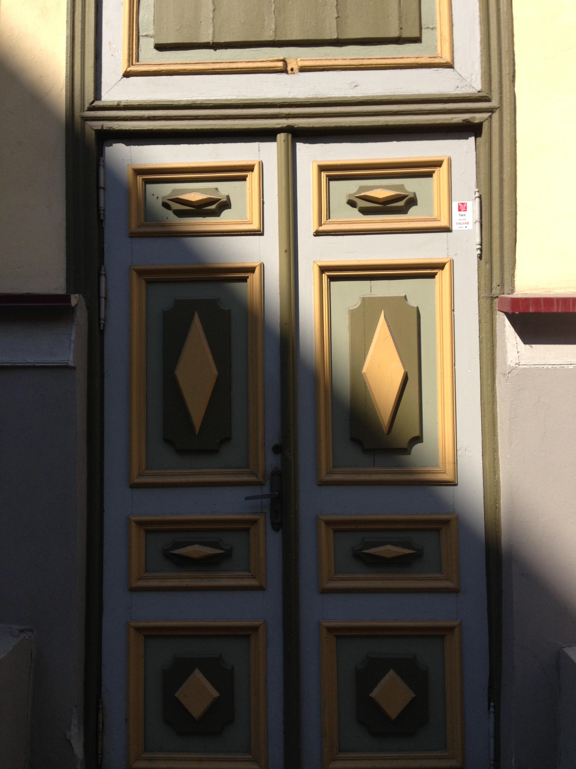 Door, Tallinn